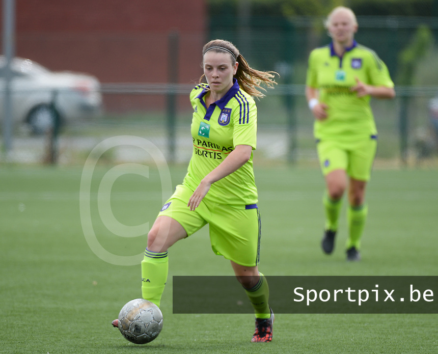 20150808 - ZULTE , BELGIUM : Anderlecht's Lieselot De Kegel pictured during a friendly soccer match between the women teams of Zulte-Waregem and RSC Anderlecht  , during the preparations for the 2015-2016 SUPERLEAGUE season, Saturday 8 August 2015 . PHOTO DAVID CATRY