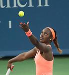 Sloane Stephens (USA) Wins Against Maria Sharapova (RUS) 2-6, 7-6, 6-4