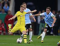 FUSSBALL   DFB POKAL 2. RUNDE   SAISON 2013/2014 TSV 1860 Muenchen - Borussia Dortmund         24.09.2013 Marco Reus (li, Borussia Dortmund) gegen Dominik Stahl (1860 Muenchen)