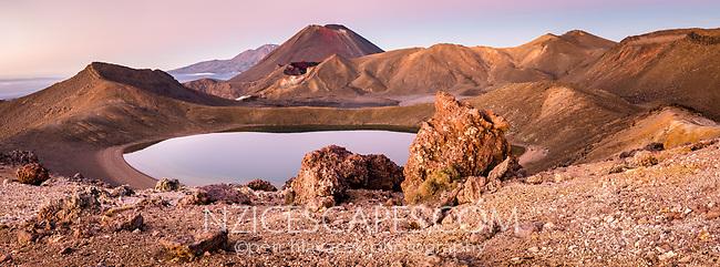 Sunrise over Blue Lake and Mount Ngaruhoe, Tongariro Nationasl Park, Central Plateau, North Island, UNESCO World Heritage Area, New Zealand, NZ