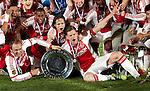 Nederland, Amsterdam, 2 mei 2012.Seizoen 2011/2012.Eredivisie.Ajax-VVV 2-0.De Spelers van Ajax juichen met de kampioensschaal na de 2-0 overwinning op VVV
