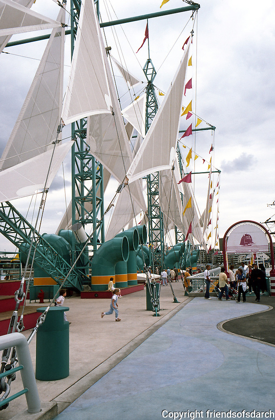 Vancouver: EXPO '86--Marine Plaza. Photo '86.