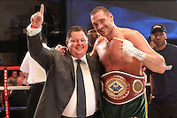 Tyson Fury vs Vinny Maddalone - Clevedon - 070712 -