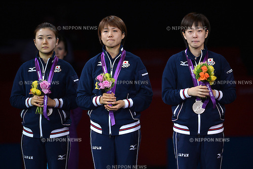 (L to R) Ai Fukuhara (JPN), Sayaka Hirano (JPN), Kasumi Ishikawa (JPN),.AUGUST 7, 2012 - Table Tennis : Women's Team Medal Ceremony at ExCeL during the London 2012 Olympic Games in London, UK. .(Photo by Jun Tsukida/AFLO SPORT) [0003]