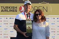 Justin Rose (ENG), pictured with his mum Annie, wins the playoff hole and the tournament and also moves back to No.1 in the world at the end of Sunday's Final Round of the 2018 Turkish Airlines Open hosted by Regnum Carya Golf &amp; Spa Resort, Antalya, Turkey. 4th November 2018.<br />