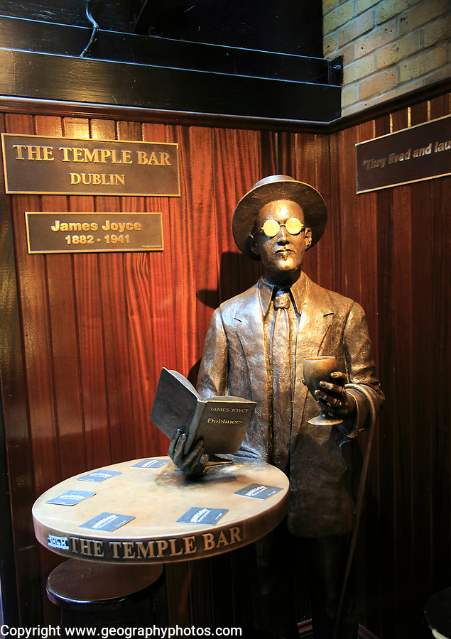 James Joyce 1882-1941 sculpture statue inside the Temple Bar pub, Dublin city centre, Ireland, Republic of Ireland