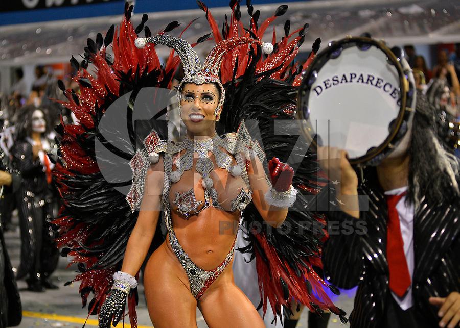 SÃO PAULO, SP, 14.02.2015, CARNAVAL 2015 - SÃO PAULO - GRUPO ESPECIAL / GAVIÕES DA FIEL: Tati Minerato da escola de samba Gaviões da Fiel, durante desfile do grupo especial do Carnaval de São Paulo, na noite deste sabado, 14. (Foto: Levi Bianco / Brazil Photo Press).
