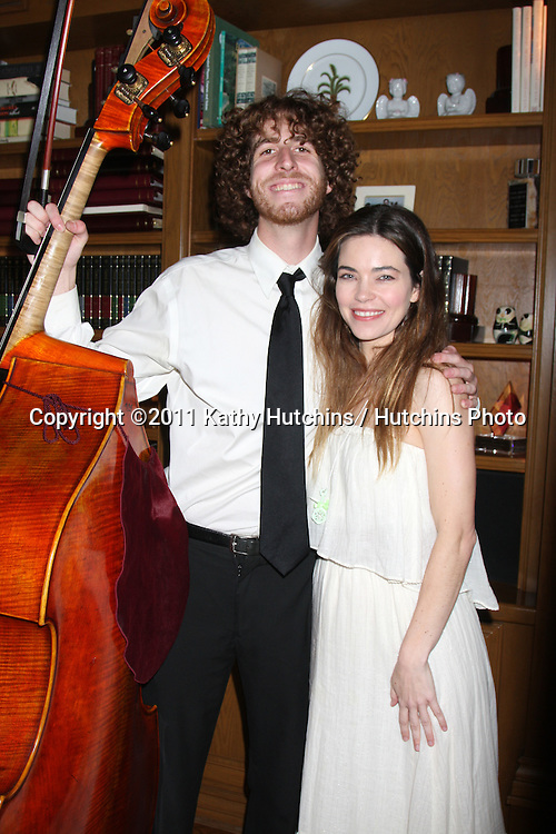 LOS ANGELES - APR 2:  Amelia Heinle. musicians at the Baby Shower for Jennifer Scott at Ed & Melody Thomas Scott's Home on April 2, 2011 in Beverly Hills, CA