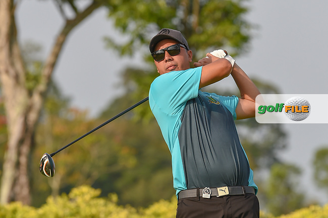Kristopher WILLIAMSON (COK) watches his tee shot on 3 during Rd 1 of the Asia-Pacific Amateur Championship, Sentosa Golf Club, Singapore. 10/4/2018.<br /> Picture: Golffile   Ken Murray<br /> <br /> <br /> All photo usage must carry mandatory copyright credit (© Golffile   Ken Murray)