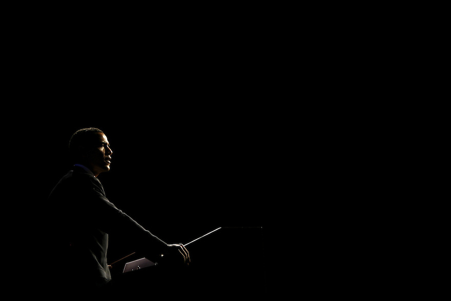Democratic presidential hopeful, U.S. Sen. Barack Obama (D-IL)  speaks at the annual Jefferson Jackson dinner in Richmond, Va., Saturday, Feb. 17, 2007. .Photo by Brooks Kraft/Corbis....
