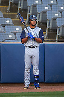 Brooklyn Cyclones outfielder Desmond Lindsay (5) on deck during the first game of a doubleheader against the Connecticut Tigers on September 2, 2015 at Senator Thomas J. Dodd Memorial Stadium in Norwich, Connecticut.  Brooklyn defeated Connecticut 7-1.  (Mike Janes/Four Seam Images)