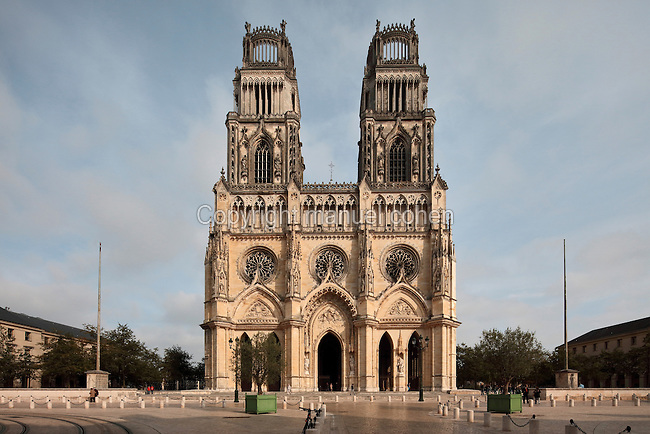 Orleans Cathedral, or the Basilique Cathedrale Sainte-Croix d'Orleans, built in Gothic style 1278-1329 and largely rebuilt 1601-1829 after it was partially destroyed in 1568, in Orleans, Loiret, Centre, France. Joan of Arc, the defender of Orleans, attended evening Mass in the cathedral on 2nd May 1429 while the city was under siege. The cathedral is listed as a historic monument. Picture by Manuel Cohen