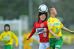 (L to R) Hanae Shibata (Urawa Reds Ladies), Motoyo Hosokawa (JEF United Ladies),.APRIL 21, 2012 - Football/Soccer : 2012 Plenus Nadeshiko League,2nd sec match between JEF United Ichihara Chiba Ladies 0-0 Urawa Reds Diamonds Ladies at Ichihara Rinkai Stadium , Chiba, Japan. (Photo by Jun Tsukida/AFLO SPORT) [0003]