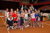 April 15, 2015, Netherlands, Den Bosch, Maaspoort, Fedcup Netherlands-Australia, Clinic with Alex Reijnders and schoolkids <br /> Photo: Tennisimages/Henk Koster