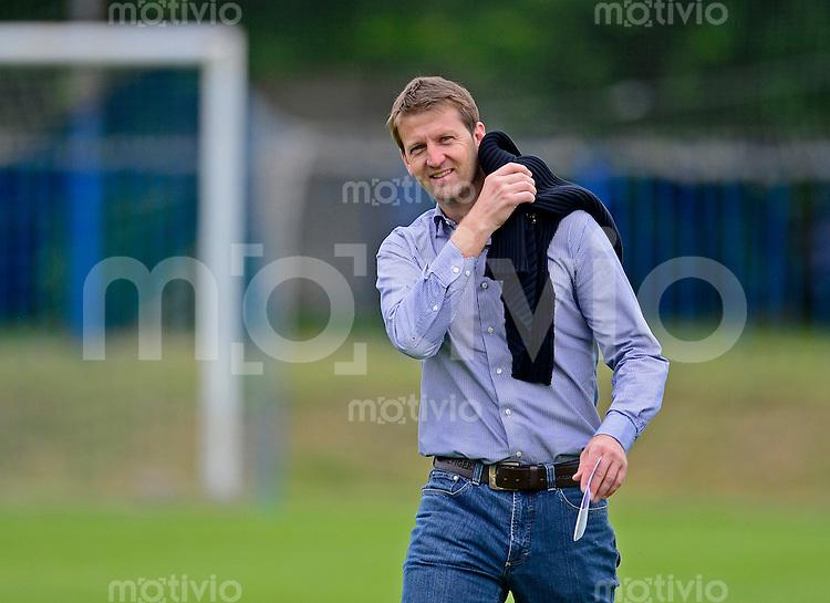 Fussball, 2. Bundesliga, Saison 2013/14, SG Dynamo Dresden, Testspiel, FK Varnsdorf - SG Dynamo Dresden, Samstag (29.06.13), Dubi, Tschechische Republik. Dresdens Sportdirektor Steffen Menze.