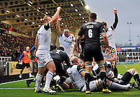 Bath Rugby players celebrate a try from Guy Mercer. Aviva Premiership match, between Newcastle Falcons and Bath Rugby on January 2, 2016 at Kingston Park in Newcastle upon Tyne, England. Photo by: Patrick Khachfe / Onside Images