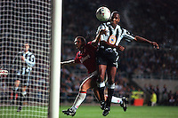 Pix:Michael Steele/SWpix...Soccer. Newcastle v Middlesborough...COPYRIGHT PICTURE>>SIMON WILKINSON..Newcastles Les Ferdinand heads the ball to score for Newcastle.