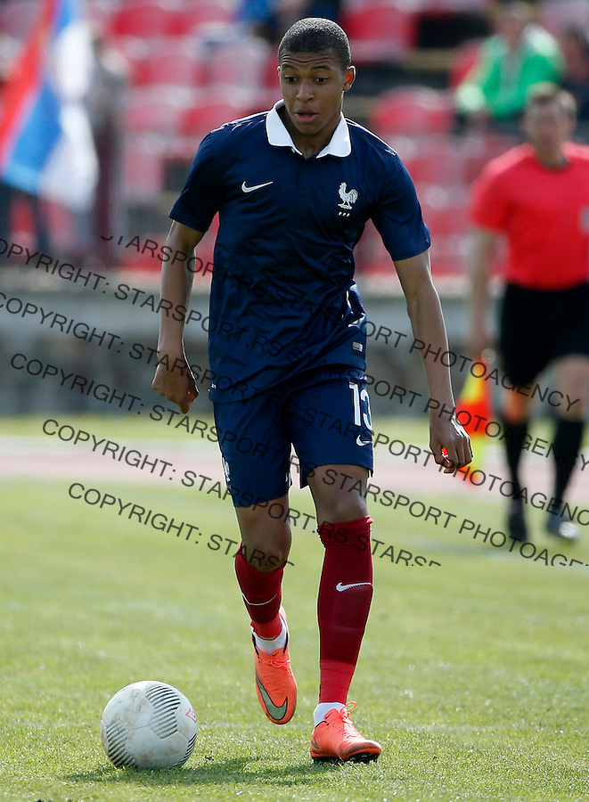 KRAGUJEVAC, SERBIA - MARCH 29: Kylian Mbappe of France in action during the UEFA European U19 Championship Elite Round Group 7 match between Serbia and France at Stadium Cika Daca on March 29, 2016 in Kragujevac, Serbia. (Photo by Srdjan Stevanovic/Getty Images)