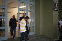 """ATENCAO EDITOR: FOTO EMBARGADA PARA VEICULOS INTERNACIONAIS. - SAO PAULO - SP -  11 DE NOVEMBRO 2012. MICHEL DANIEL DA SILVA COMPARSA de Gefferson Oliveira Soares (23) - FOTO - vulgo """"GG do Mangue"""" e Paulo Batista Nascimento (25) vulgo """"Limao"""", ambos tomariam conta  do trafico na Favela de Paraisopolis, em confronto com policiais da ROCAN hoje (10) pela manha no Campo Limpo - zona sul. Os bandidos nao obedeceram a ordem de parada e trocaram tiros com os policiais, um traficante de nome Michel Daniel da Silva, que estava na troca tiros, foi preso. Ocorrencia pelo DHPP.  FOTO: MAURICIO CAMARGO / BRAZIL PHOTO PRESS."""