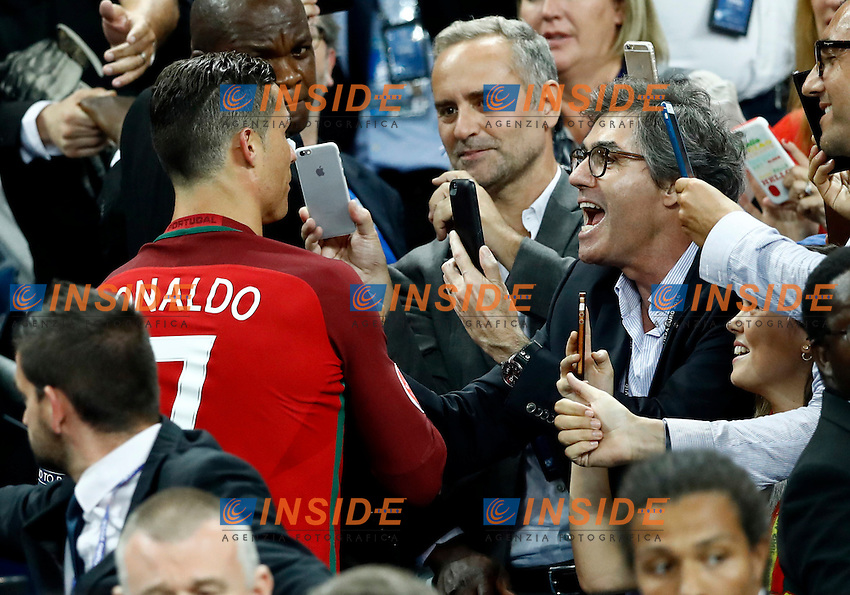 Portugal supporters congratulating with Cristiano Ronaldo during the award ceremony. cerimonia premiazione<br /> Paris 10-07-2016 Stade de France Football Euro2016 Portugal - France / Portogallo - Francia Final / Finale <br /> Foto Matteo Ciambelli / Insidefoto