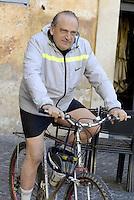 Roma, 10 Maggio 2015<br /> Piazza di Pietra<br /> Luigi Abete, Presidente della Banca Nazionale del Lavoro in bicicletta