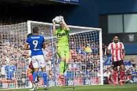 Jon McLaughlin of Sunderland collects safely during Ipswich Town vs Sunderland AFC, Sky Bet EFL League 1 Football at Portman Road on 10th August 2019