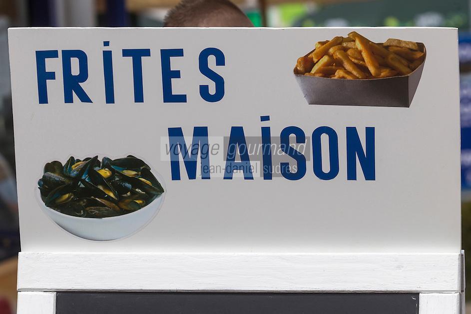 France, Pas-de-Calais (62), Côte d'Opale, Wissant, Enseigne d'un restaurant  // France, Pas de Calais, Cote d'Opale (Opal Coast), Wissant, Teaches a restaurant