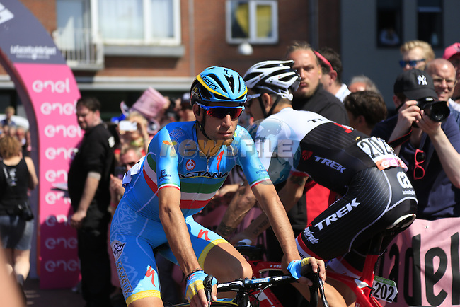 Vincenzo Nibali (ITA) Astana Pro Team arrives at sign on before the start of Stage 2 of the 2016 Giro d'Italia running 190km from Arnhem to Nijmegen, The Nethrerlands. 7th May 2016.<br /> Picture: Eoin Clarke | Newsfile<br /> <br /> <br /> All photos usage must carry mandatory copyright credit (&copy; Newsfile | Eoin Clarke)