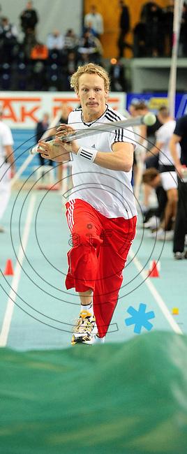 Leichtathletik - DHM 2009 Deutsche Hallenmeisterschaften - ARENA Leipzig - Track and Field - im Bild: Stabhochsprung - Tobias Scherbarth (TSV Bayer 01 Leverkusen) macht Trainingsanläufe..Foto: Norman Rembarz..Norman Rembarz, Holbeinstr. 14, 04229 Leipzig, Hypo-Vereinsbank, BLZ: 86020086, Kto: 357889472, Ust. ID.: DE 256991963 St. Nr.: 231/261/06432 !!!!!!  Honorar zuzüglich 7 % Mwst !!!!!!!!