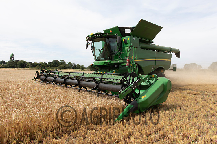23.7.2020 Harvesting Winter Barley in Cambridgeshire <br /> ©Tim Scrivener Photographer 07850 303986<br />      ....Covering Agriculture In The UK.