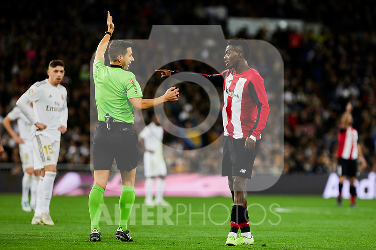 Inaki Williams of Athletic Club have words with the referee during La Liga match between Real Madrid and Athletic Club de Bilbao at Santiago Bernabeu Stadium in Madrid, Spain. December 22, 2019. (ALTERPHOTOS/A. Perez Meca)