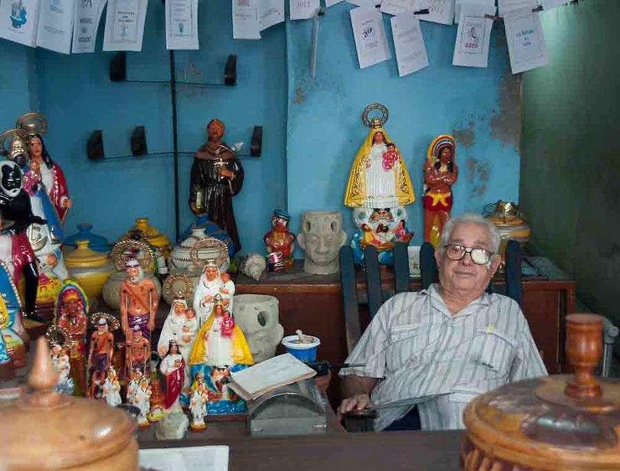 Cuba, Havana, religion, vendor, cuenta propia