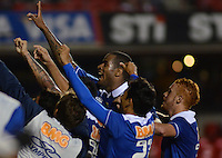 SAO PAULO SP, 20 Julho 2013 - Sao Paulo  X Cruzeiro - Jogadores do cruzeiro comemoram segundo gol durante partida contra o Sao Paulo  valida pelo campeonato brasileiro de 2013  no Estadio do Morumbi em  Sao Paulo, neste sabado, 20. (FOTO: ALAN MORICI / BRAZIL PHOTO PRESS).