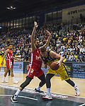 01.12.2019, EWE Arena, Oldenburg, GER, easy Credit-BBL, EWE Baskets Oldenburg vs Brose Bamberg, im Bild<br /> Rasid MAHALBASIC (EWE Baskets Oldenburg #24 ) Assem MAREI (Brose Bamberg #50 )<br /> Foto © nordphoto / Rojahn
