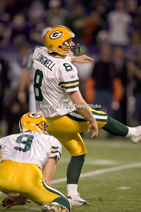 Green Bay Packers kicker Ryan Longwell (8) during an NFL football game against the Minnesota Vikings on December 24, 2004 in Minneapolis, Minnesota. (Photo by David Stluka)