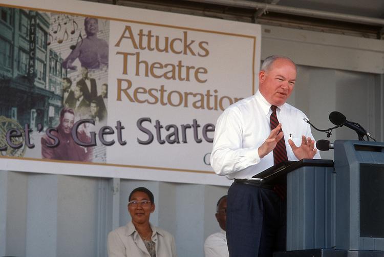 2001 August 28..Rehabilitation..Attucks Theatre.Church Street..RENOVATION GROUNDBREAKING CEREMONY.PAUL FRAIM...NEG#.NRHA#..