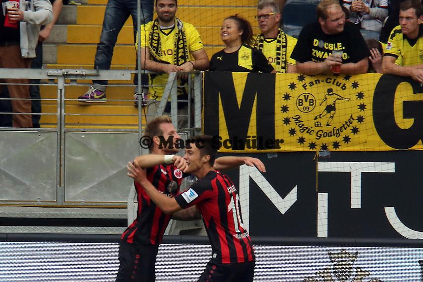 Vaclav Kadlec (Eintracht) erzielt das 1:1 und jubelt mit Vorbereiter Stefan Aigner - Eintracht Frankfurt vs. Borussia Dortmund
