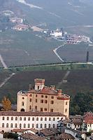 Una veduta del paese di Barolo, col castello e i vigneti.<br /> View of the village of Barolo, with its castle, surrounded by vineyards.<br /> UPDATE IMAGES PRESS/Riccardo De Luca