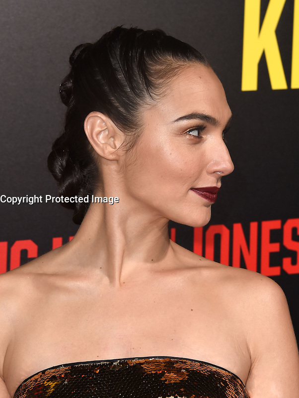 Gal Gadot @ the premiere of 'Keeping Up With The Joneses' held @ the Fox studios backlot. October 8, 2016 , Los Angeles, USA. # PREMIERE DU FILM 'KEEPING UP WITH THE JONESES'