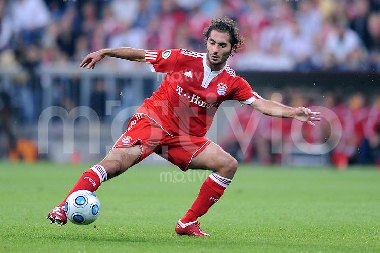 Fussball DFB Pokal :  Saison   2009/2010   22.09.2009 FC Bayern Muenchen - Rot Weiss Oberhausen Hamit Altintop (FCB)