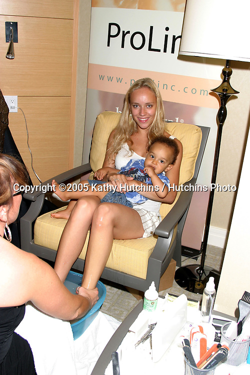.Browsing thru the .GBK Productions Emmy Gifting Lounge.Sofitel Hotel.August 23, 2006.©2006 Kathy Hutchins / Hutchins Photo....