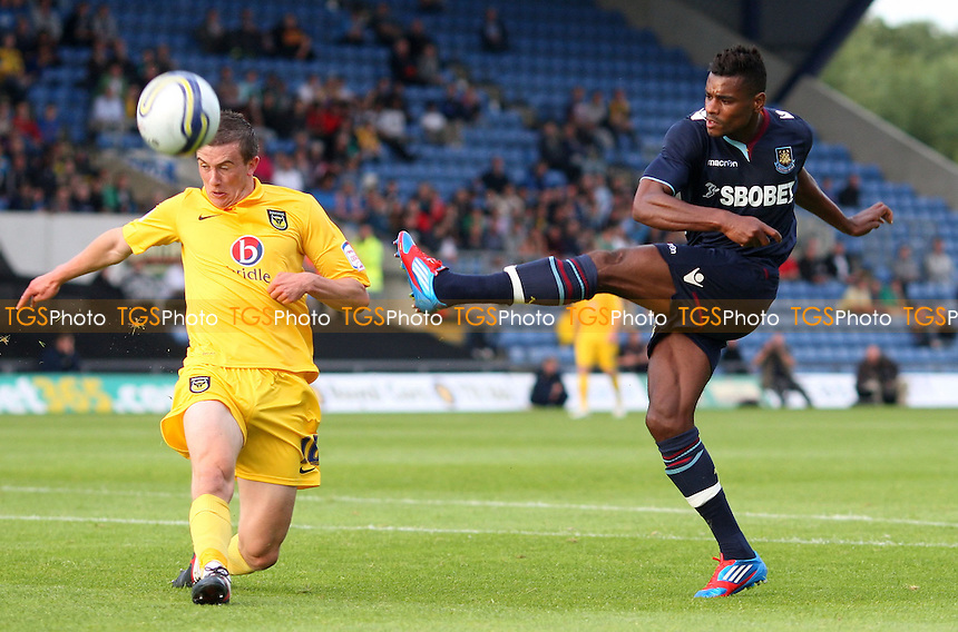 Ricardo Vaz Te of West Ham gets in a first half shot - Oxford United vs West Ham United, Pre-season Friendly at the Kassam Stadium, Oxford - 17/07/12 - MANDATORY CREDIT: Rob Newell/TGSPHOTO - Self billing applies where appropriate - 0845 094 6026 - contact@tgsphoto.co.uk - NO UNPAID USE.