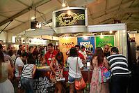 RIO DE JANEIRO, RJ, 23.11.2014 – MONDIAL DE LA BIERRE NO TERREIRÃO DO SAMBA, MONDIAL DE LA BIERRE,Cervejaria Hanna Acontece no Terreirão do Samba o Mondial de La Bierre com nomes de cervejarias inusitados e o público lota o Terreirão do Samba tradicional ponto de encontro dos eventos do samba carioca, no Centro, neste domingo, 23  (foto: Márcio Cassol/Brazil Photo Press)