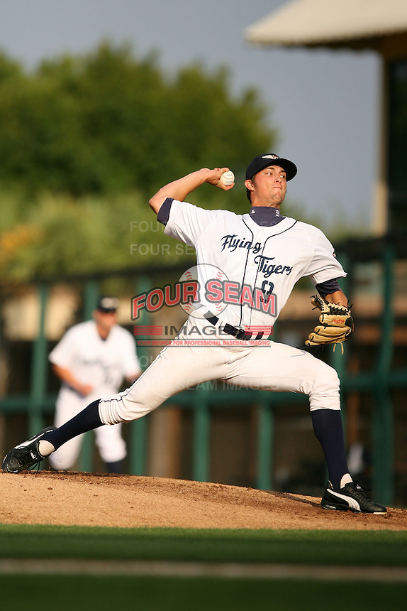 April 11, 2009:  Pitcher Brett Jacobson (9) of the Lakeland Tigers, Florida State League Single-A affiliate of the Detroit Tigers, delivers a pitch during a game at Joker Marchant Stadium in Lakeland, FL.  Photo by:  Mike Janes/Four Seam Images