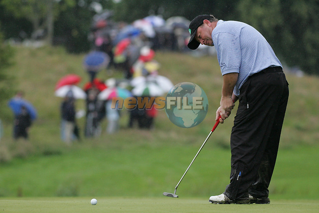Ian Woosnam takes his putt to finish his early morning round on the 9th green during the first round of the Smurfit Kappa European Open at The K Club, Strffan,Co.Kildare, Ireland 5th July 2007 (Photo by Eoin Clarke/NEWSFILE)