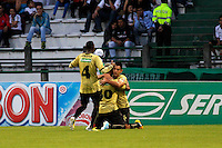 MANIZALES -COLOMBIA, 19-05-2013. Jugadores del Once Caldas celebran un gol en contra de Itagüi durante partido de la fecha 16 Liga Postobón 2013-1./ Once Caldas players celebrate a goal against Itagüi during match of the 16th date of Postobon  League 2013-1. (Photo: VizzorImage/JJ Bonilla/STR)