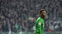 FUSSBALL   1. BUNDESLIGA   SAISON 2012/2013    20. SPIELTAG SV Werder Bremen - Hannover 96                           01.02.2013 Eljero Elia (SV Werder Bremen) steht im Regen