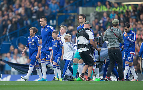 03.10.2015. London, England. Barclays Premier League. Chelsea versus Southampton. Chelsea's John Terry is back as captain as he leads his side out before the game.