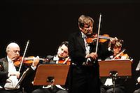 PRESENTAZIONE 1000 MIGLIA 2008 CONCERTO UTO UGHI NELLA FOTO IL VIOLINISTA UTO UGHI DURANTE IL CONCERTO SPETTACOLI BRESCIA 15/12/2007 FOTO MATTEO BIATTA<br /> <br /> PRESENTATION 1000 MIGLIA 2008 UTO UGHI CONCERT IN THE PICTURE THE VIOLINST UTO UGHI DURING THE CONCERT SHOW BRESCIA 15/12/2007 PHOTO BY MATTEO BIATTA