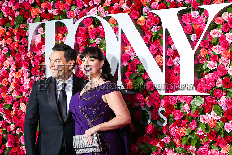 NEW YORK, NY - JUNE 10:  Robert Lopez and Kristen Anderson-Lopez  attend the 72nd Annual Tony Awards at Radio City Music Hall on June 10, 2018 in New York City.  (Photo by Walter McBride/WireImage)